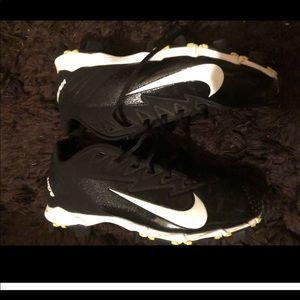 Nike vapor baseball or soccer cleats
